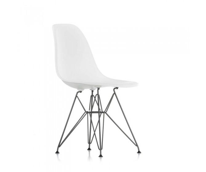 Eames Plastic Armchair DSR