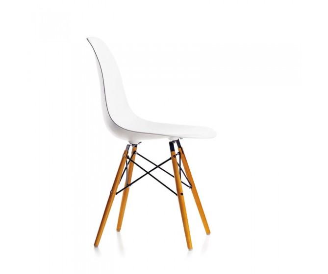 Eames Plastic Armchair DSW